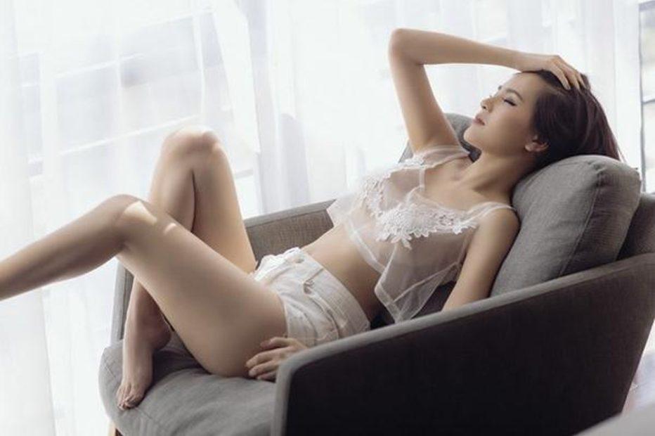 Phi Huyền Trang nude táo bạo sau scandal lộ clip nhạy cảm