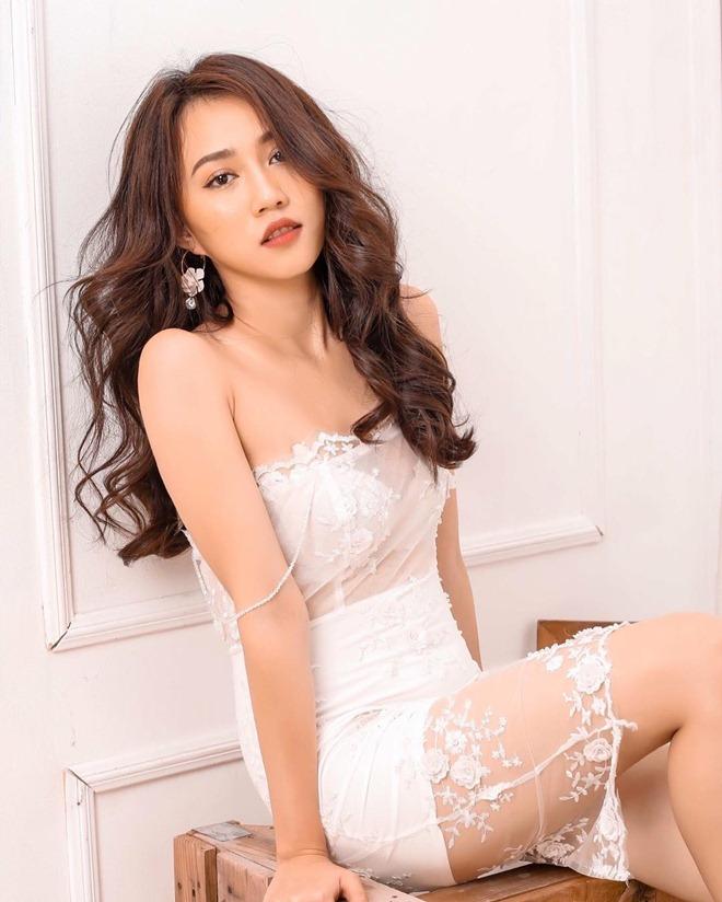 Bạn gái mới Tiến Linh
