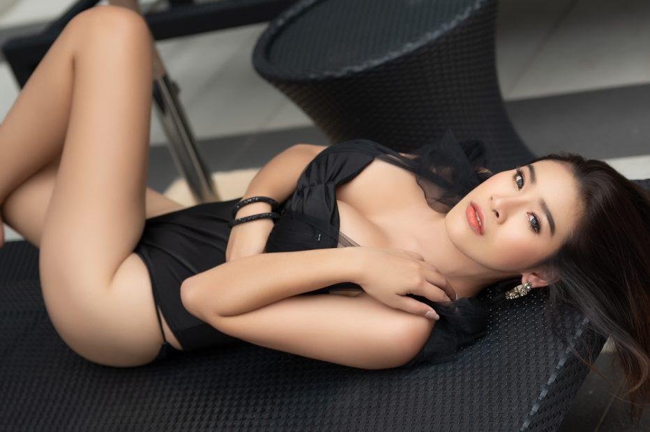 Quay tay không biết mỏi khi xem  bưởi khủng của hot girl s.e.x.y